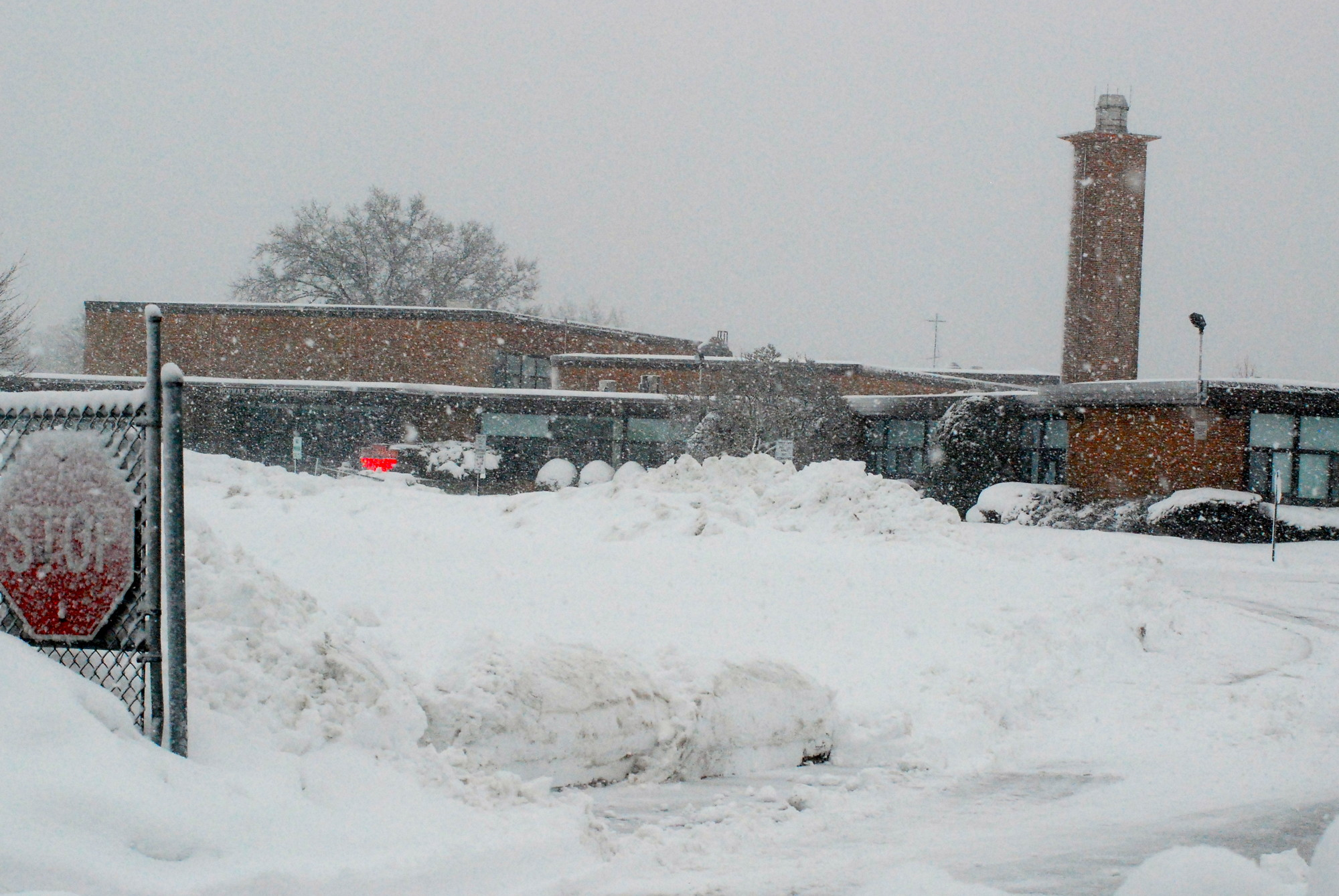 Levy-Lakeside Elementary School in Merrick blanketed in snow.
