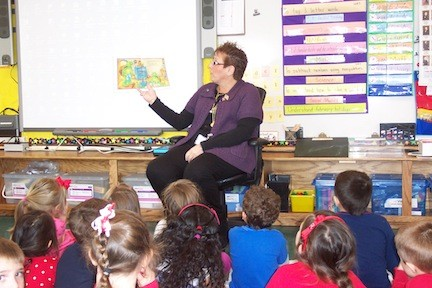 Barbara Ried kept her kindergarteners enraptured with tales of Franklin the Turtle.