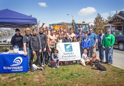 Members of the Surfrider Foundation, volunteers from the North East Bay & Canal Civic Association, and the city's beach maintenance crews at the cleanup.