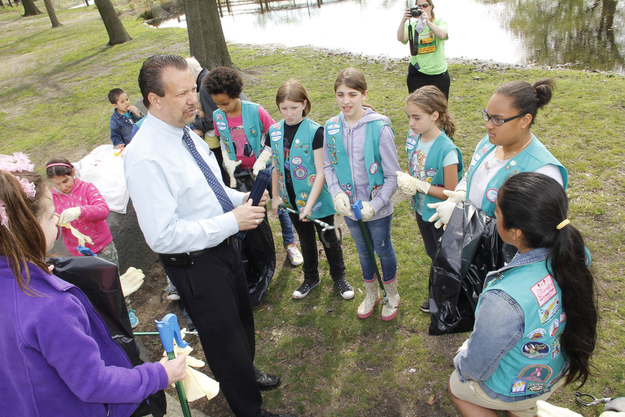 Mayor Ed Fare spoke to the girls about the importance of helping the Earth.