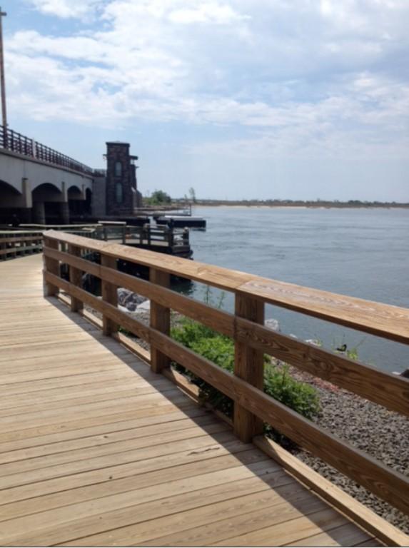 Fishermen embrace new jones beach pier herald community for Jones beach fishing pier