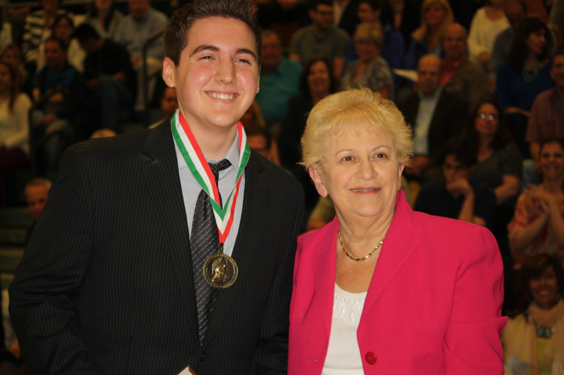 Matthew Shearer received the Per Sempre Ladies 2344A Order Sons of Italy in America Scholarship Dante Award, presented by Immediate Past President Mildred Mancusi.