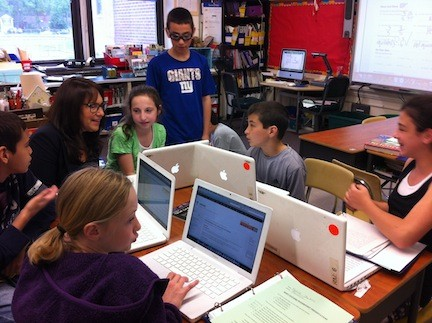 Chatterton Principal Cindy Davidowitz, who is retiring on June 30, recently visited Lori Marr�s fifth-grade class.