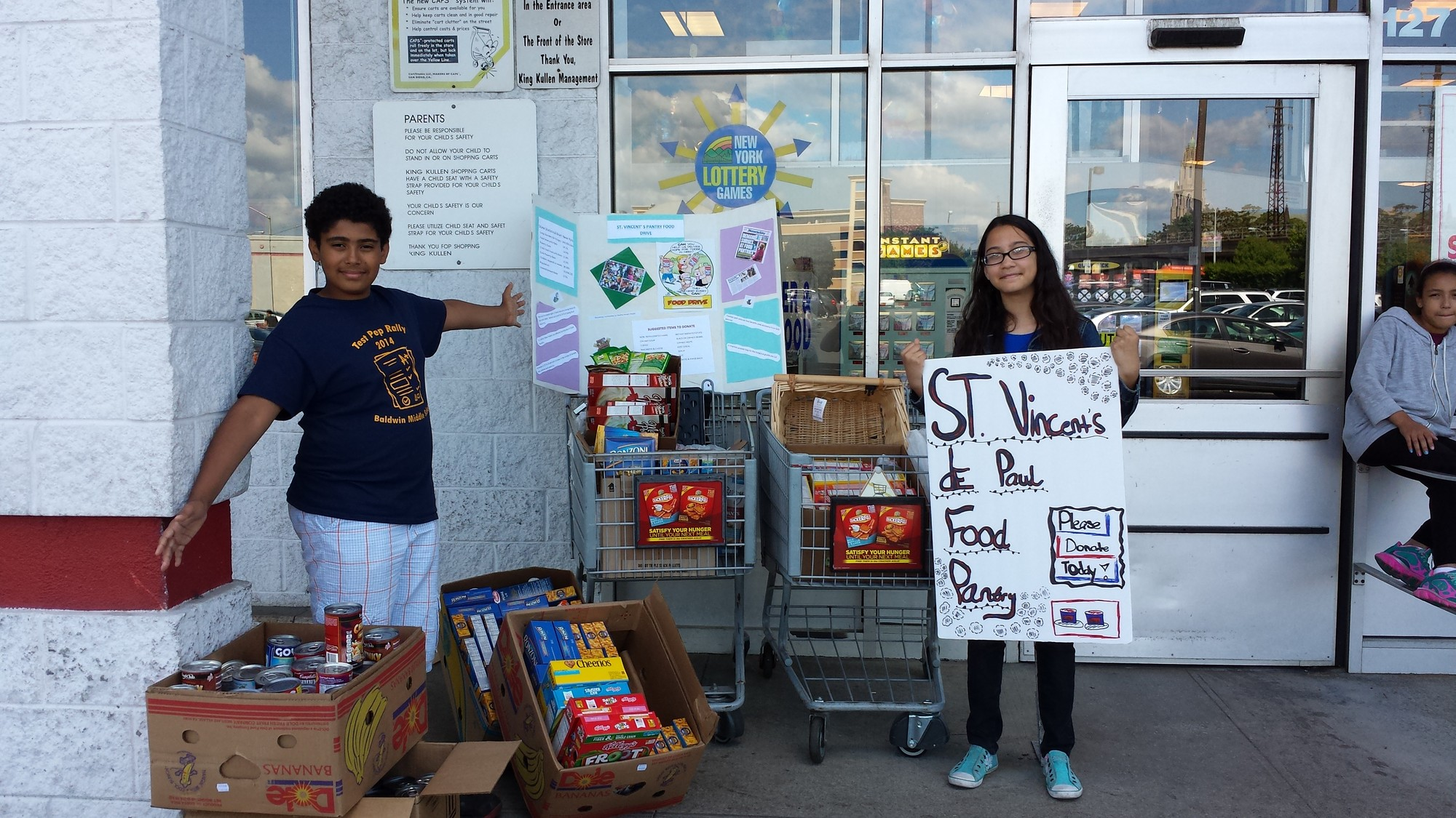 A successful food drive! 366 donations
