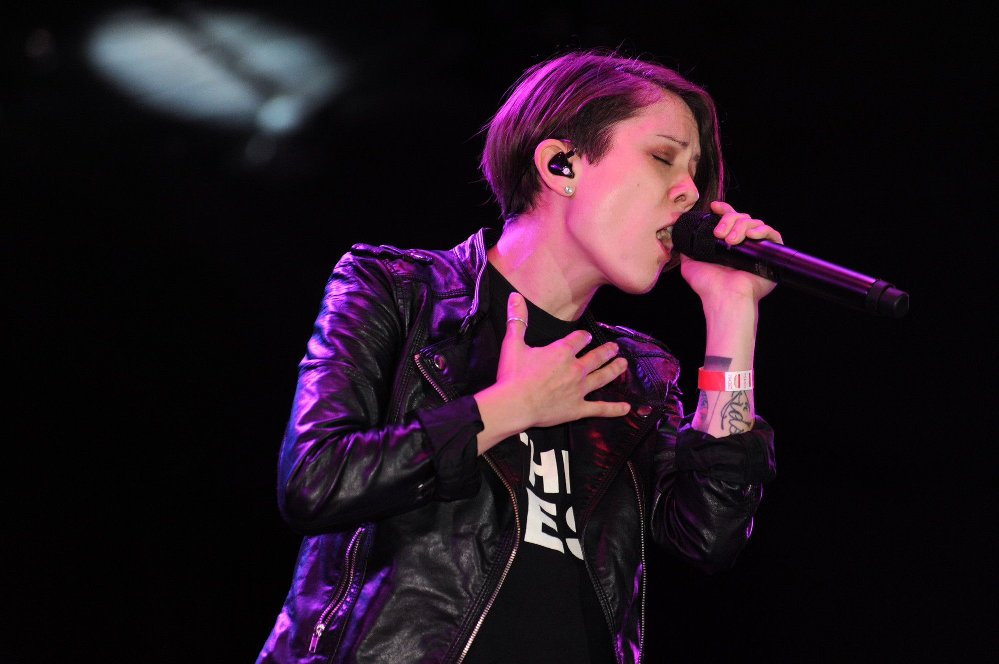 Tegan and Sara, identical twin sisters from Calgary, opened for Christina Perri at the Harry Chapin Lakeside Theatre.