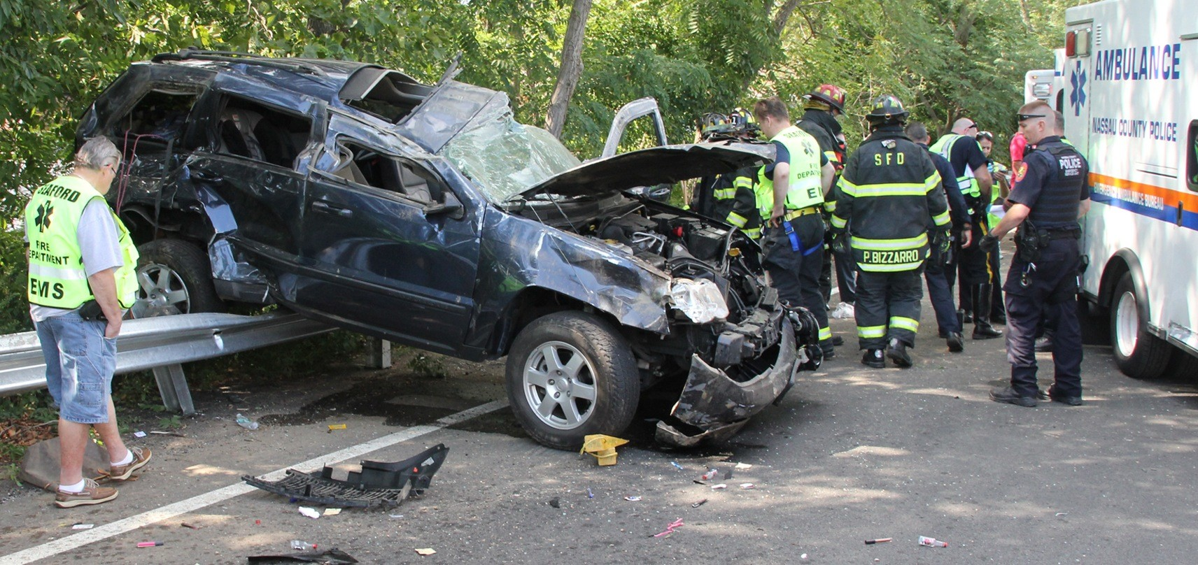 Emergency responders from the Nassau County Police and Seaford Fire departments responded to an accident on the Seaford-Oyster Bay Expressway on Aug. 26 in which the driver allegedly drove drunk with her two children in the car.