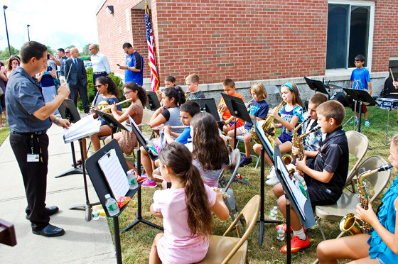 Students provided musical entertainment at the dedication ceremony.
