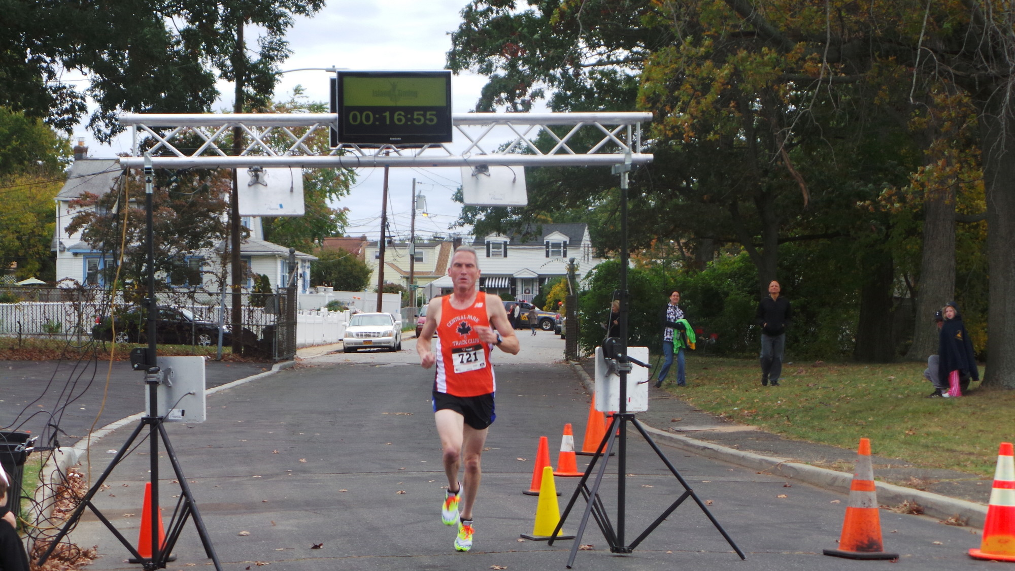 Gerald O'Hara, 50, was the first man to cross the finish line with a time of 16 minutes and 57 seconds.