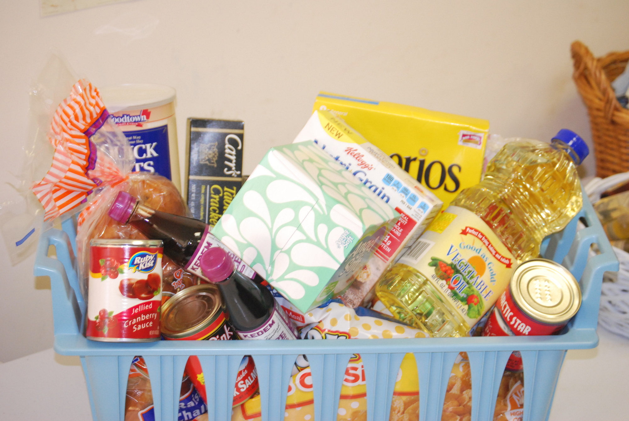 Food Pantry Feeds A Community Need Herald Community