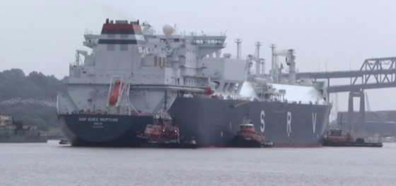 A video on Liberty Natural Gas's website shows images of a liquefied natural gas transport ship. Such ships, capable of carrying tens of millions of gallons of LNG, would dock 16.1 nautical miles from Jones Beach if Liberty acquires government approvals to build Port Ambrose.