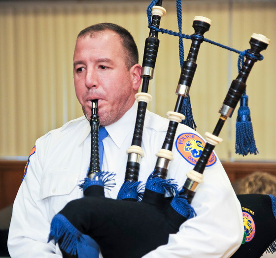 Devin Ross Nassau County Police Pipe and Drums warms up