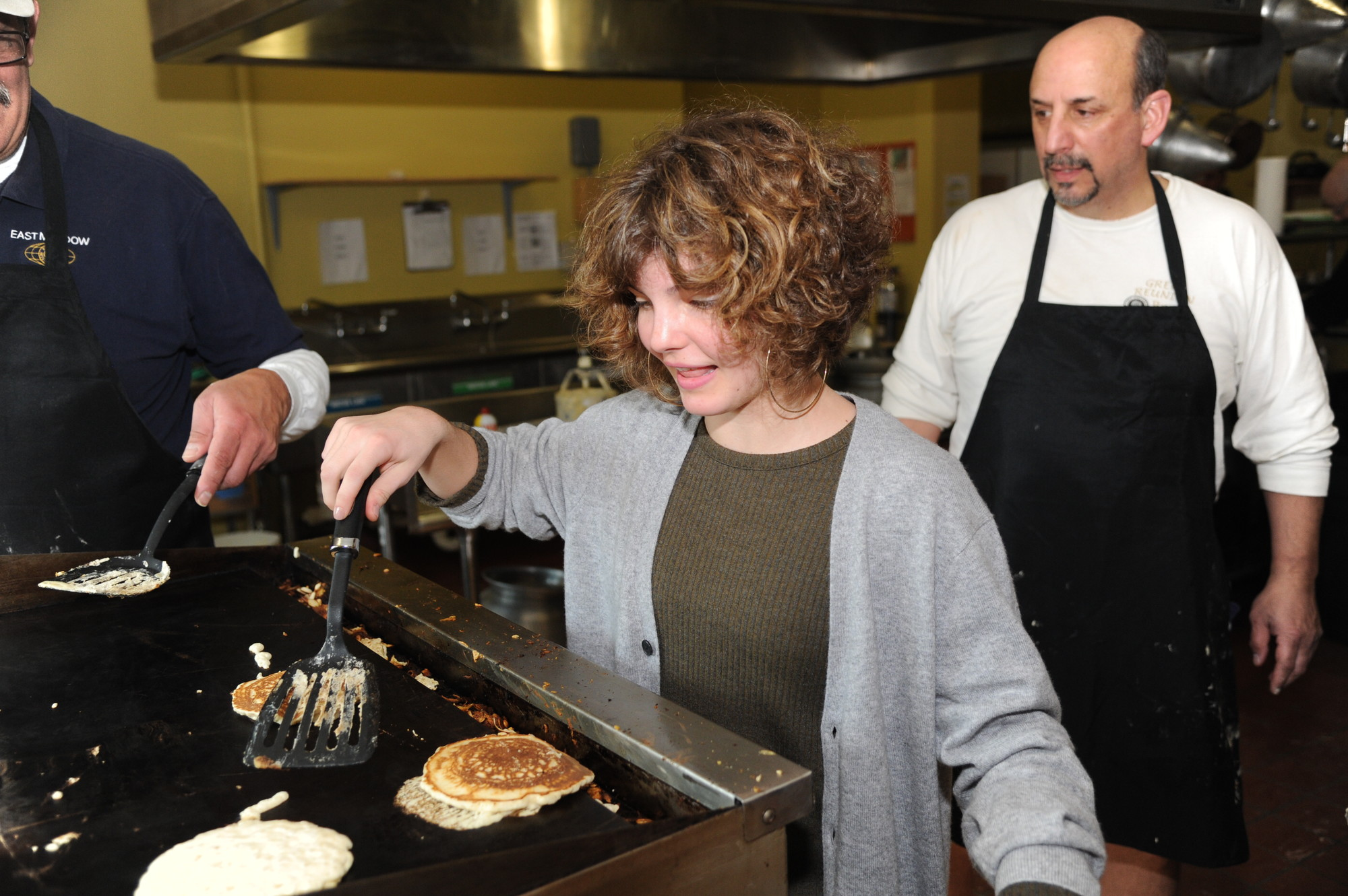 """Gotham"" actress Camren Bocondova tried her hand at flipping pancakes at the annual East Meadow Kiwanis all-you-can-eat breakfast."
