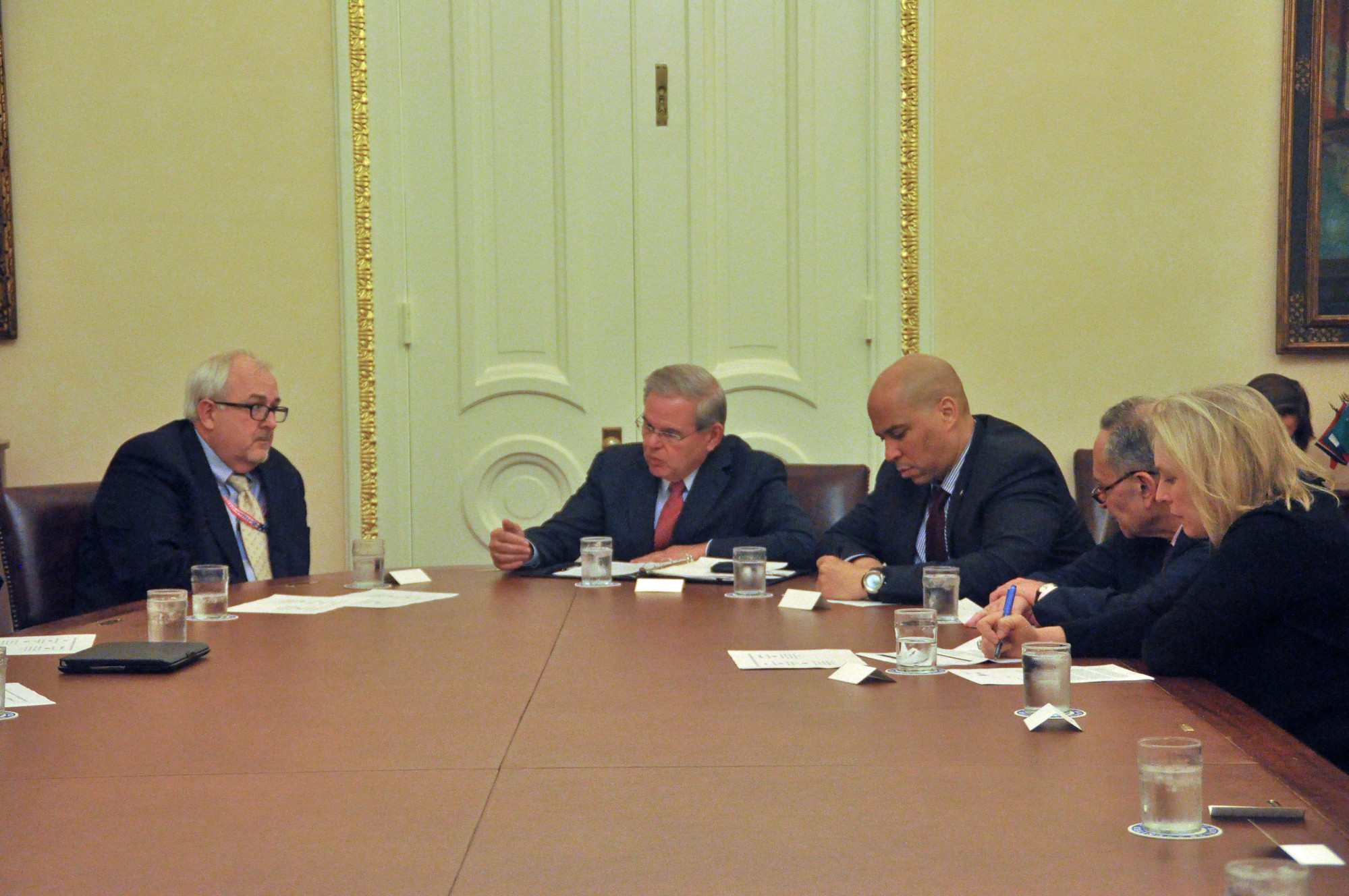 FEMA Administrator Craig Fugate, left, met with Sens. Bob Mendenez, Cory Booker, Charles Schumer and Kirsten Gillibrand on Mar. 11.