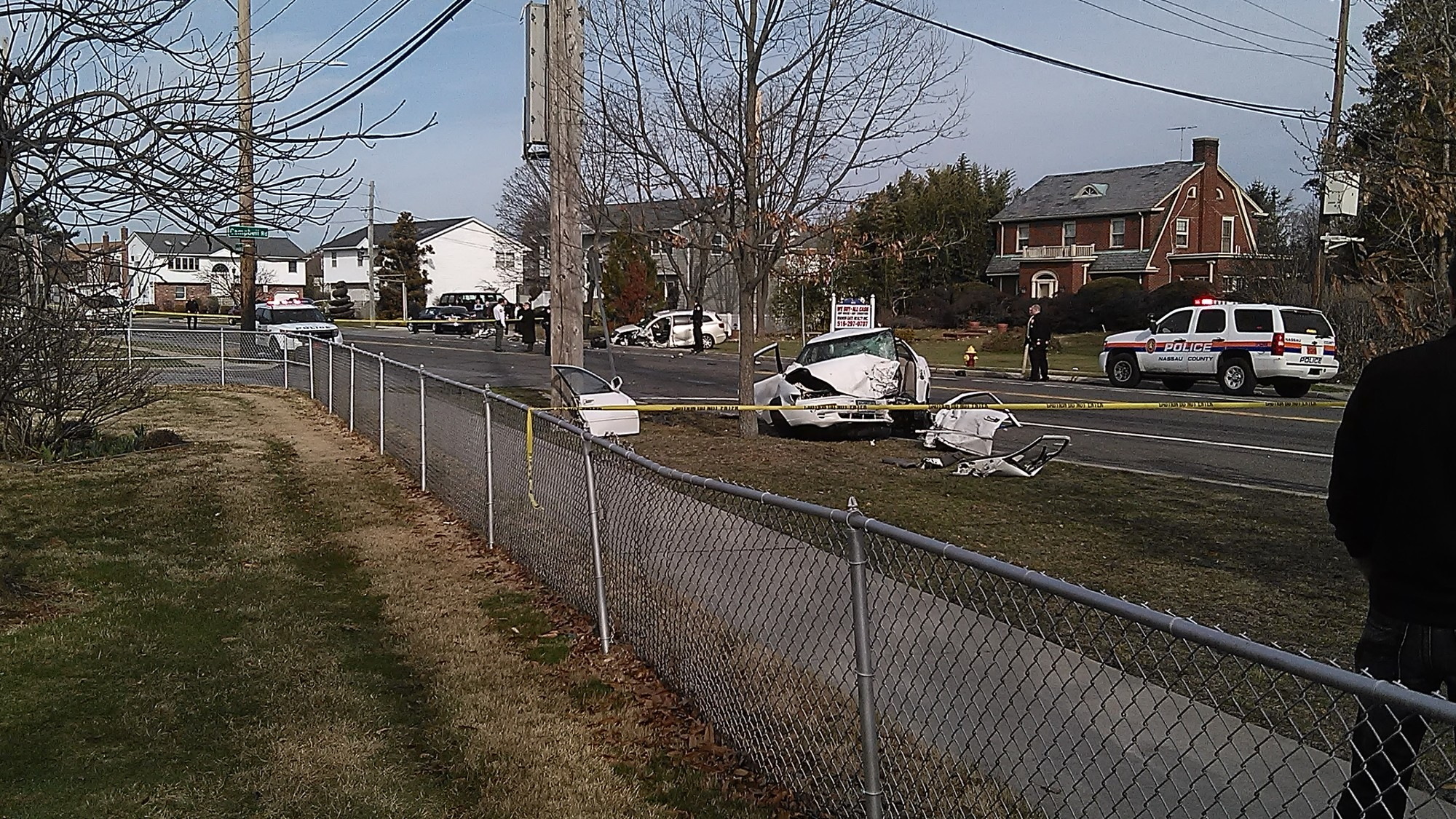 Crash leaves one dead in Wantagh | Herald Community
