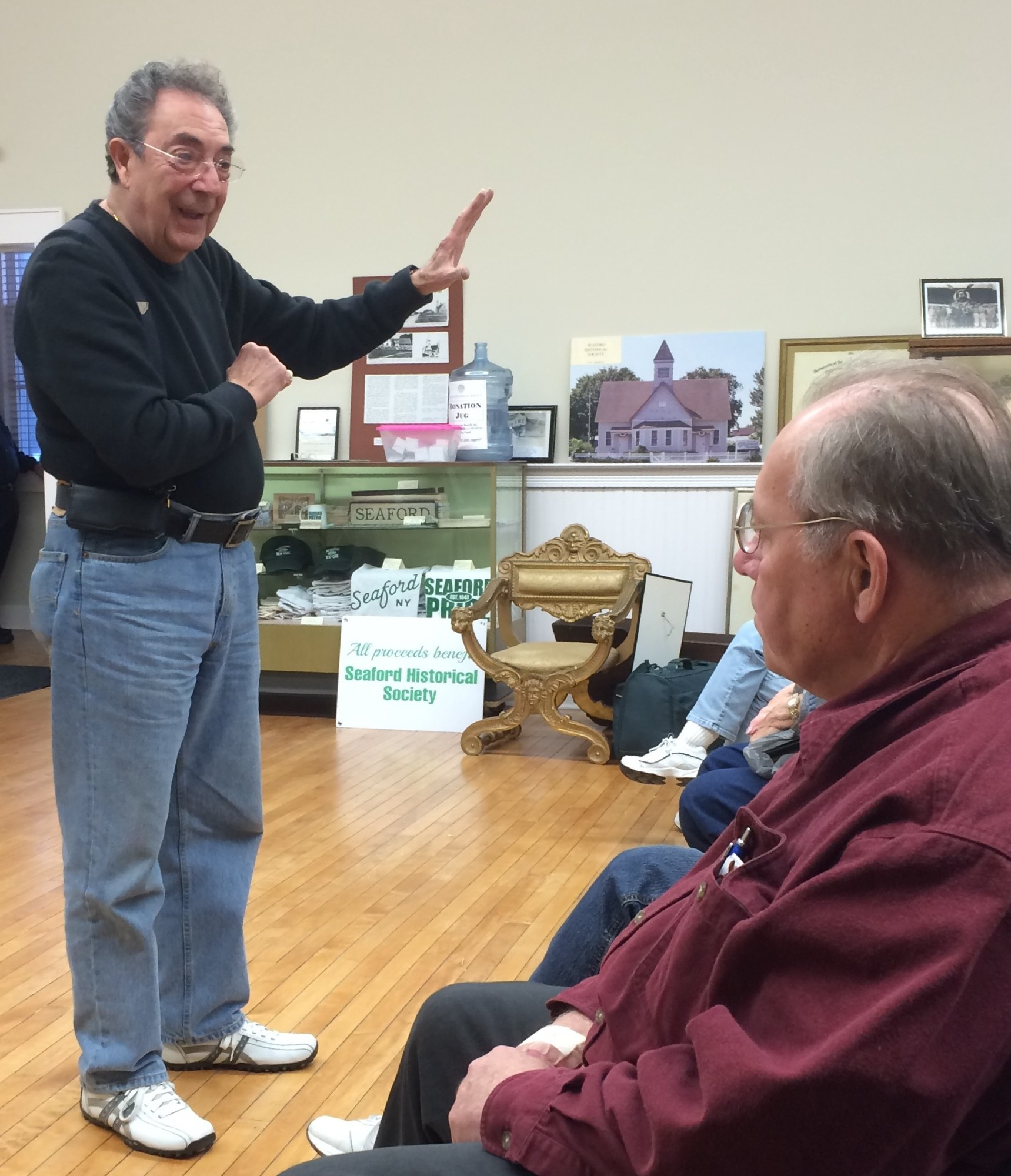 The Seaford Historical Society welcomed appraiser Eddie Costello to its museum on April 7.