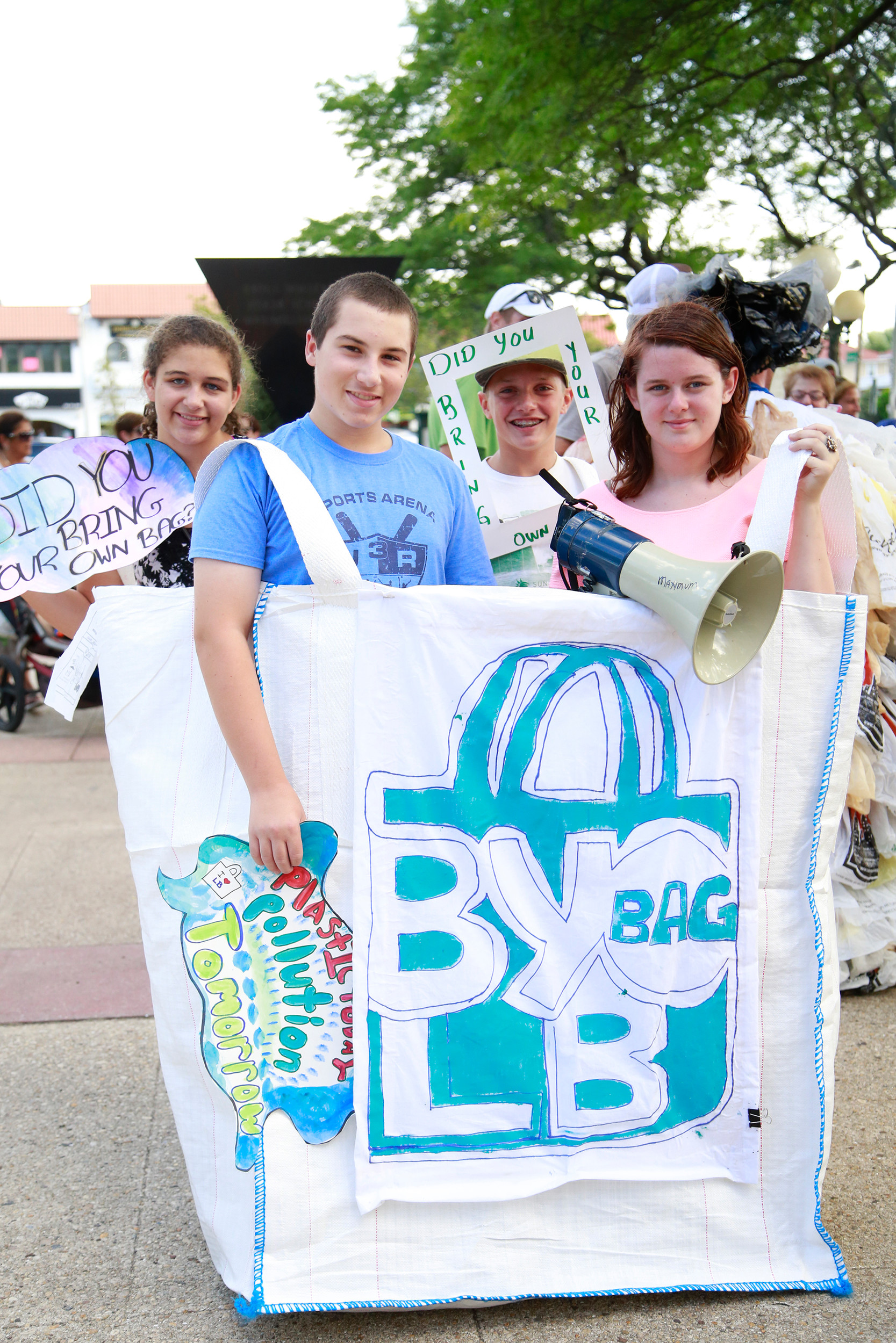 Skyy Crowley, far left, Matthew Amato, Griffen Schimmel and Jessica Carreiro supported a bring-your-own-bag initiative.