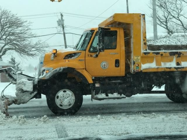 A snow emergency will be declared in Long Beach at 10 p.m. on Monday to allow residents to move their cars from the streets and stay out of the way of snow plow operations.