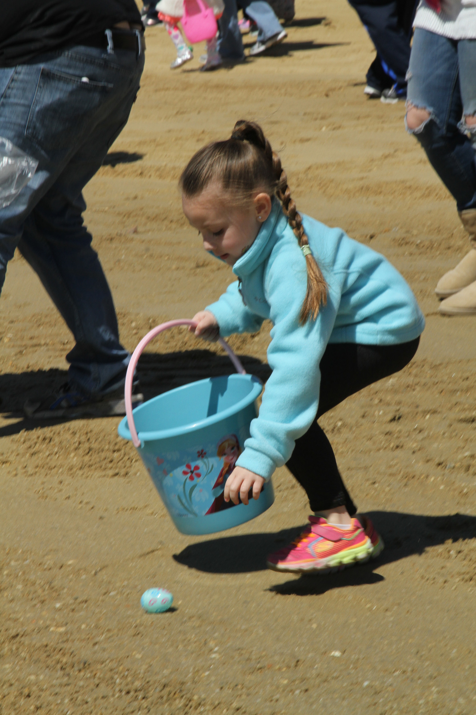 Once the parade was over, the children began hunting eggs on the beach.