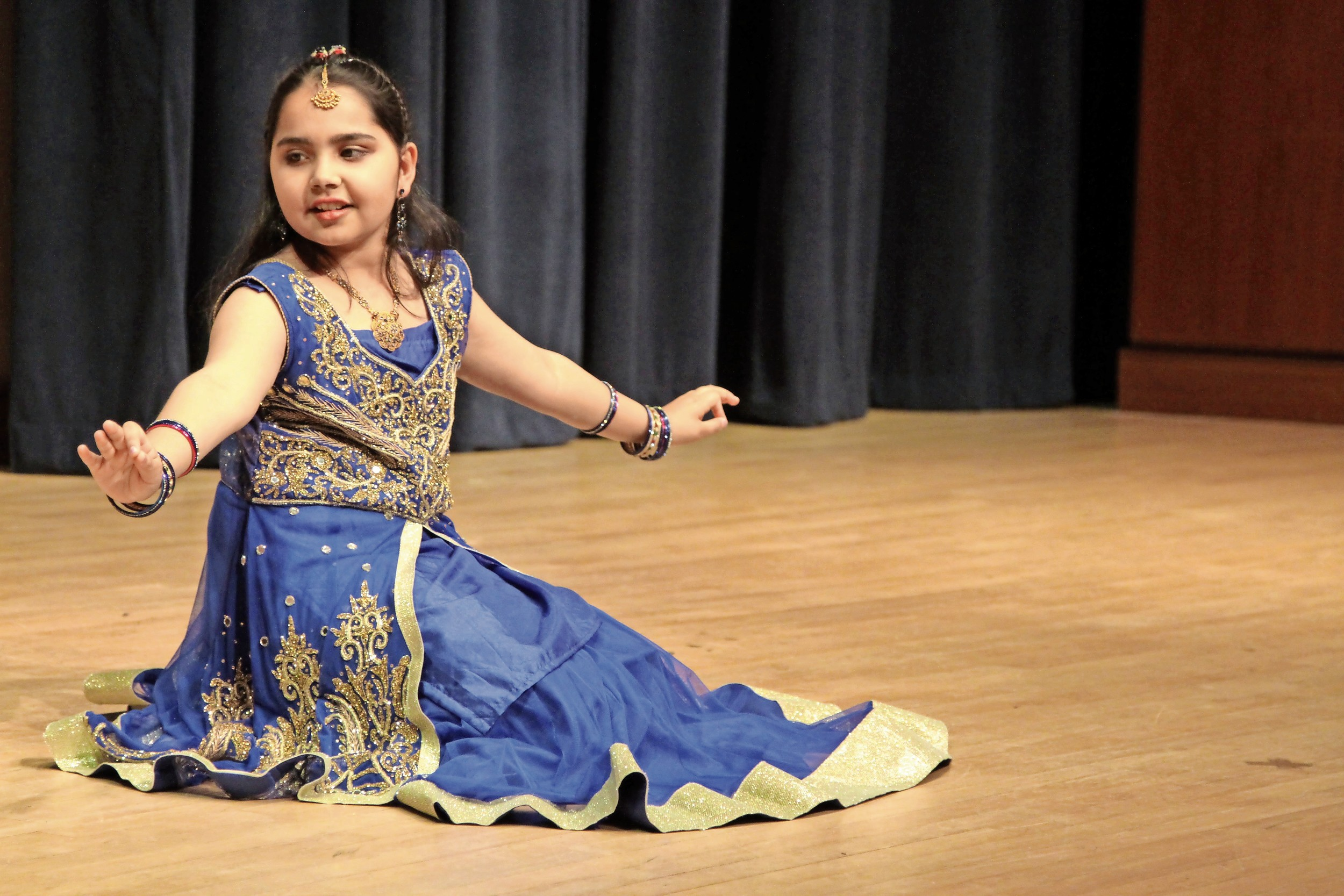 Tara Chaudhry performed the Prem Ratan Dhan Payo dance.