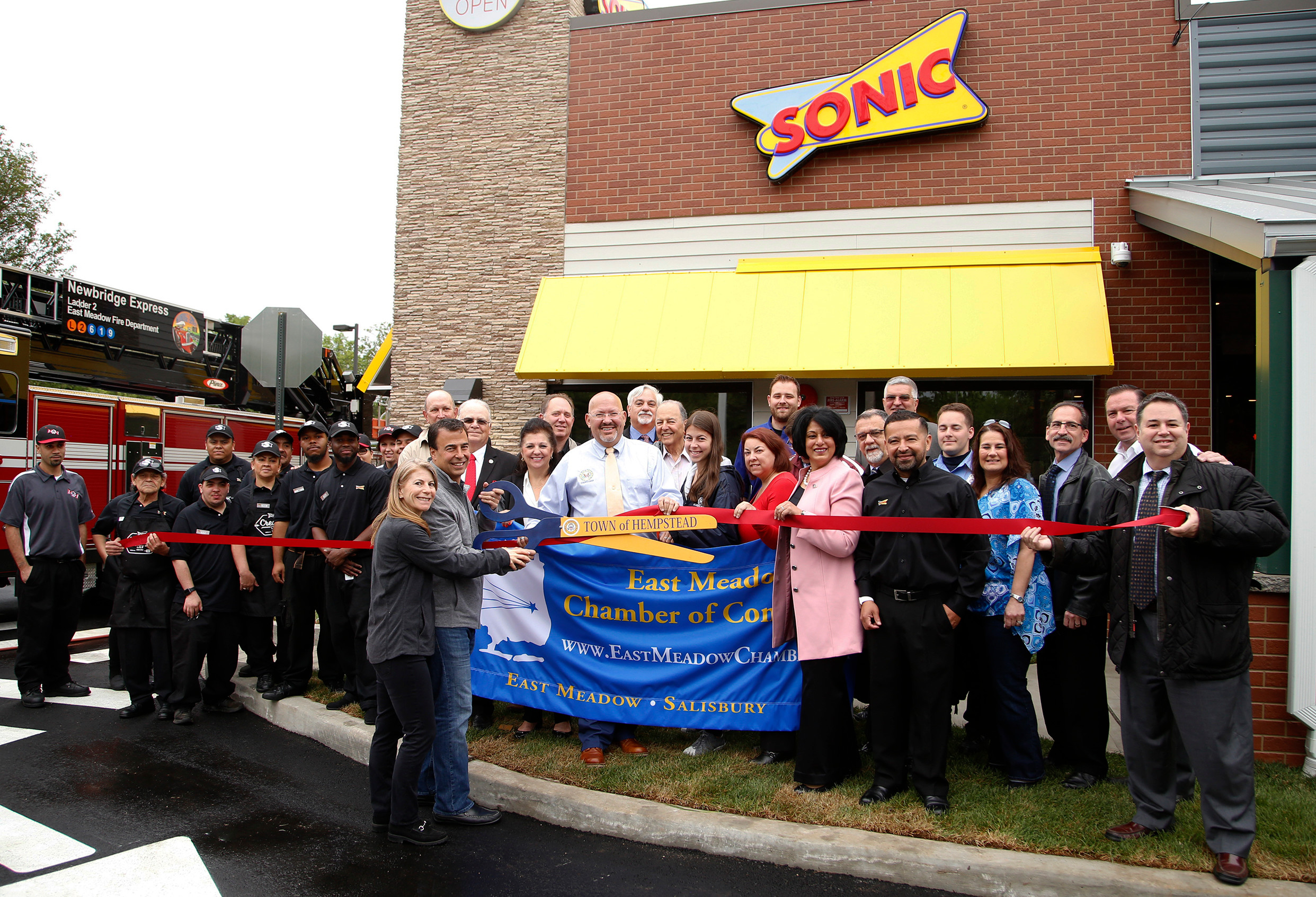 East Meadow Welcomes L I S Third Sonic Drive In Herald