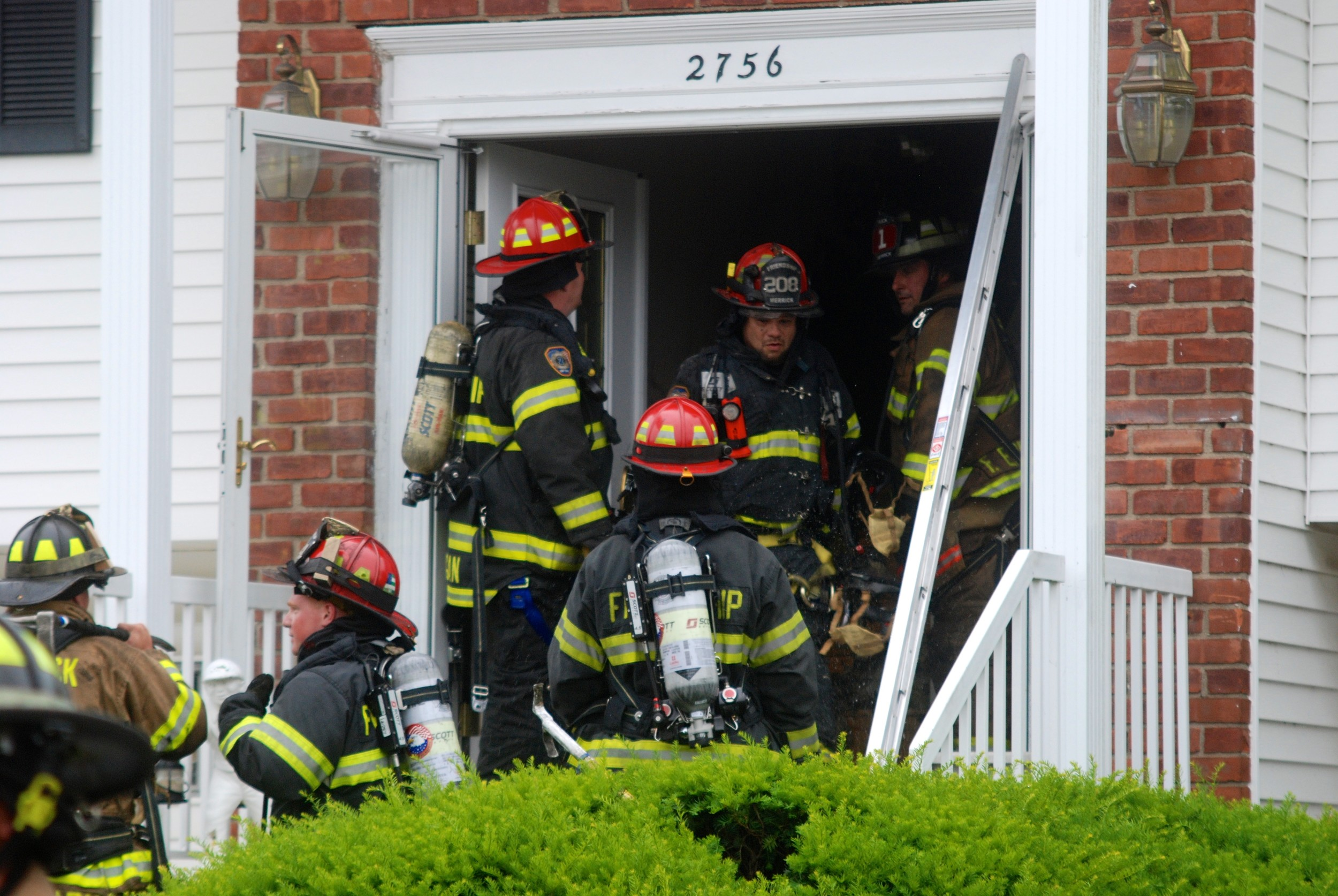 Firefighters quickly extinguished a blaze that tore through the upper floor of a south Merrick home on Friday afternoon.