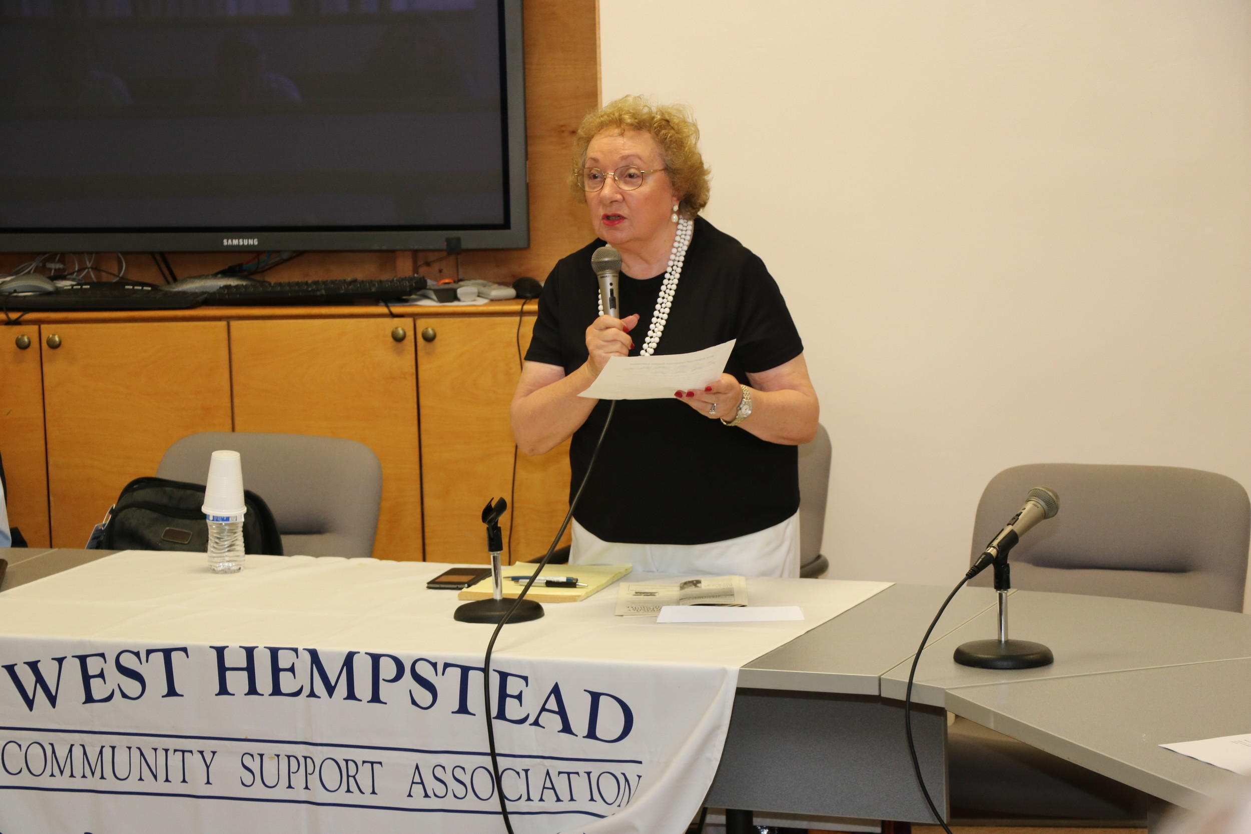 Rosalie Norton of the West Hempstead Community Support Association kicked off the meeting.