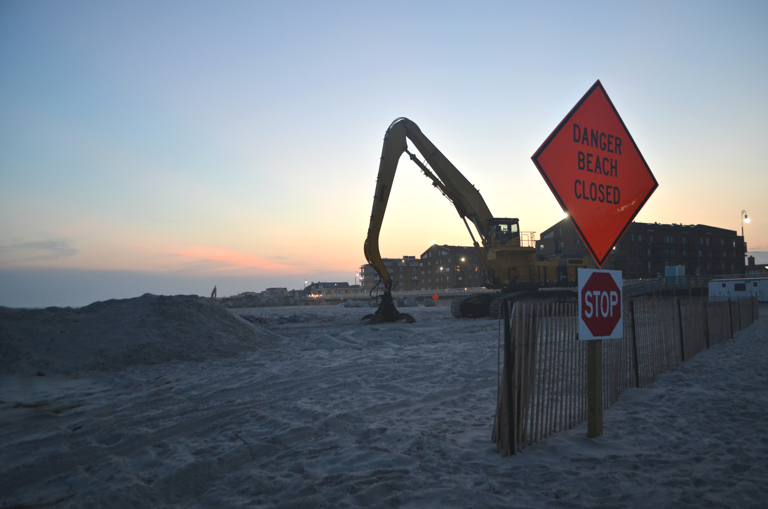 Eight weeks ahead of schedule, the Army Corps moved its work rebuilding the jetties to Grand Boulevard beach this week at the city's request to minimize beach closures during the summer season.