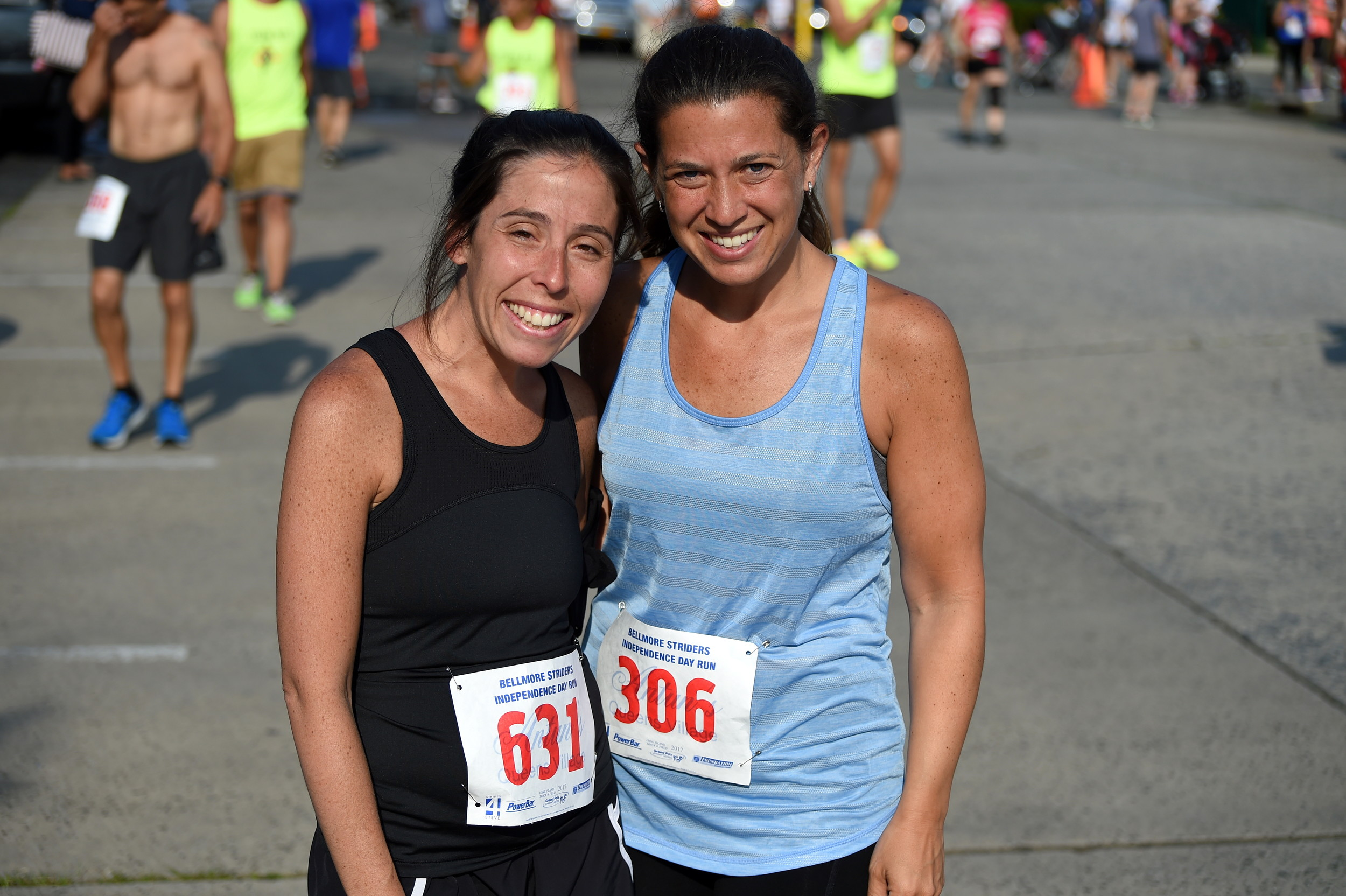 Ilissa Wellem, of Merrick, Robyn Rothman, of Island Park, got ready for four-mile race.