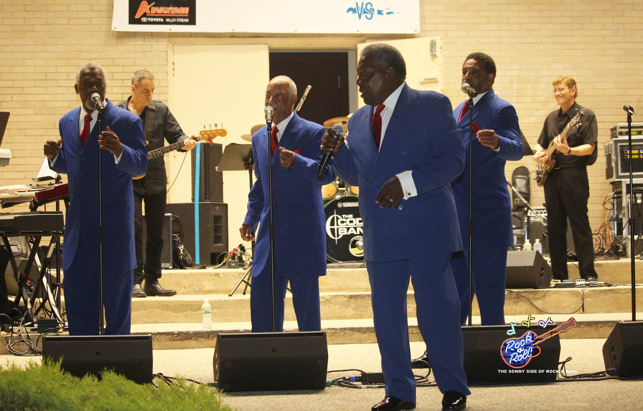 "Known for their hits ""This Magic Moment"" and ""Under the Boardwalk,"" Charlie Thomas's the Drifters headlined the doo-wop concert."