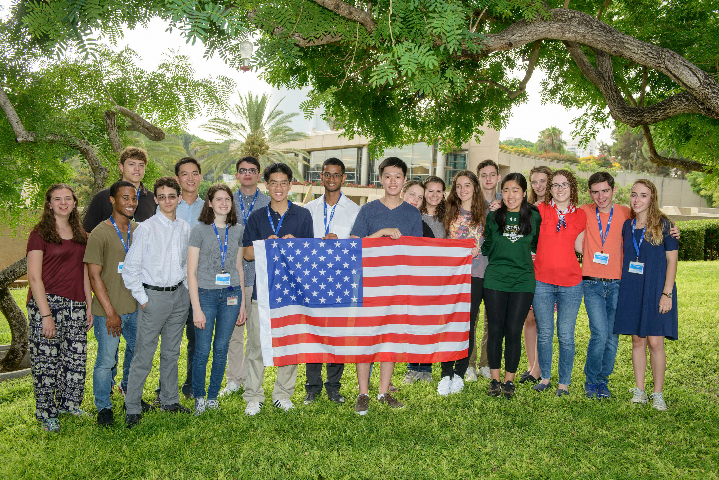 The 19 American students who took part in the Weizmann Institute of Science summer program. Tzippora Chwat is at far right.