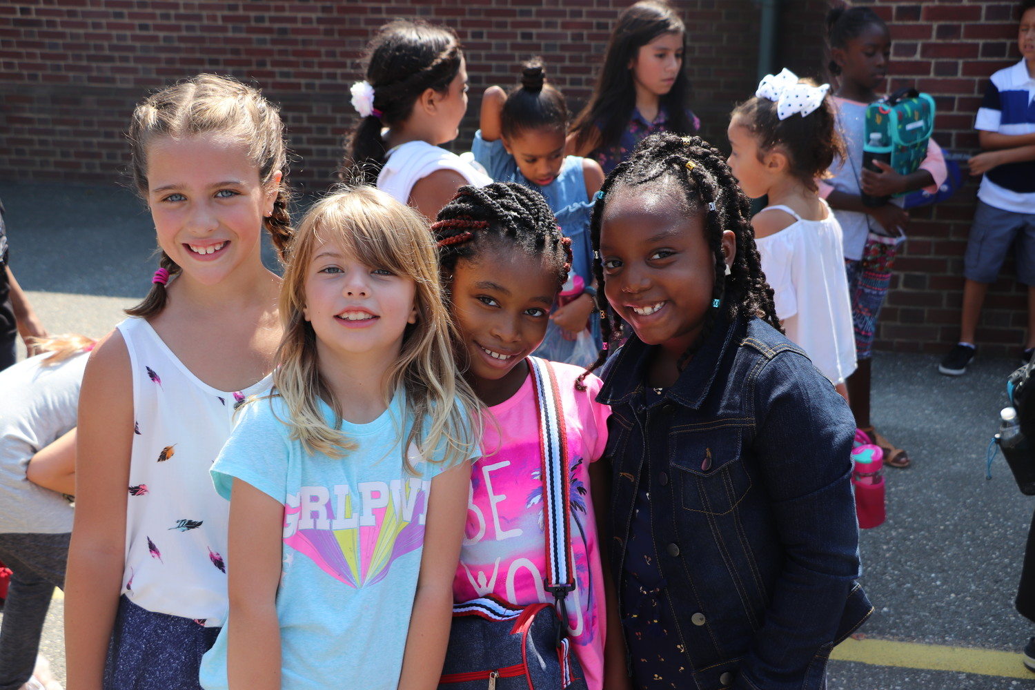 Students at Plaza Elementary were welcomed back for the 2017 – 2018 school year on Tuesday, Sept. 5. Laughter filled the playground as students enjoyed their first day of school.