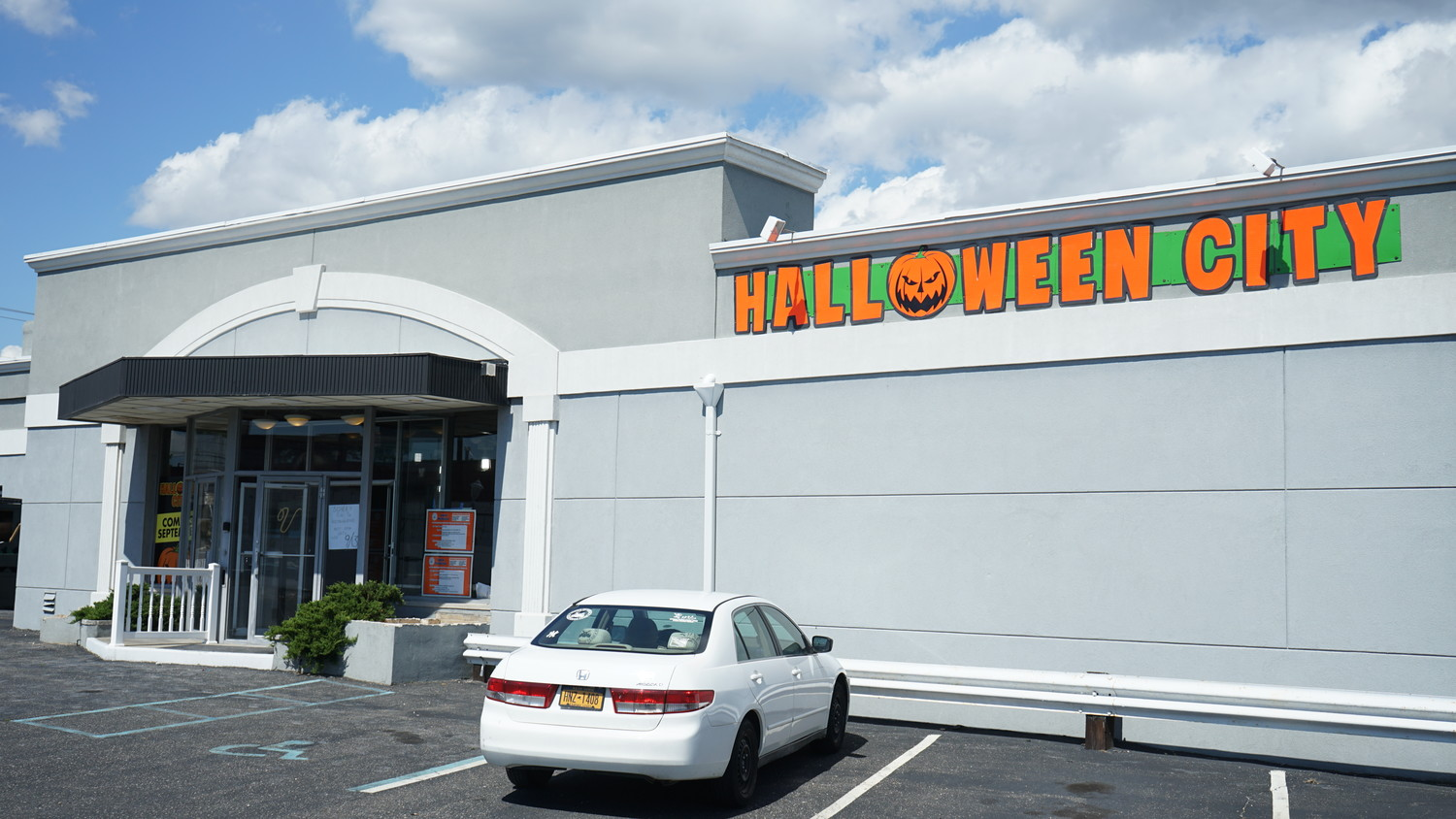 Halloween store replaces Oceanside funeral home | Herald Community ...
