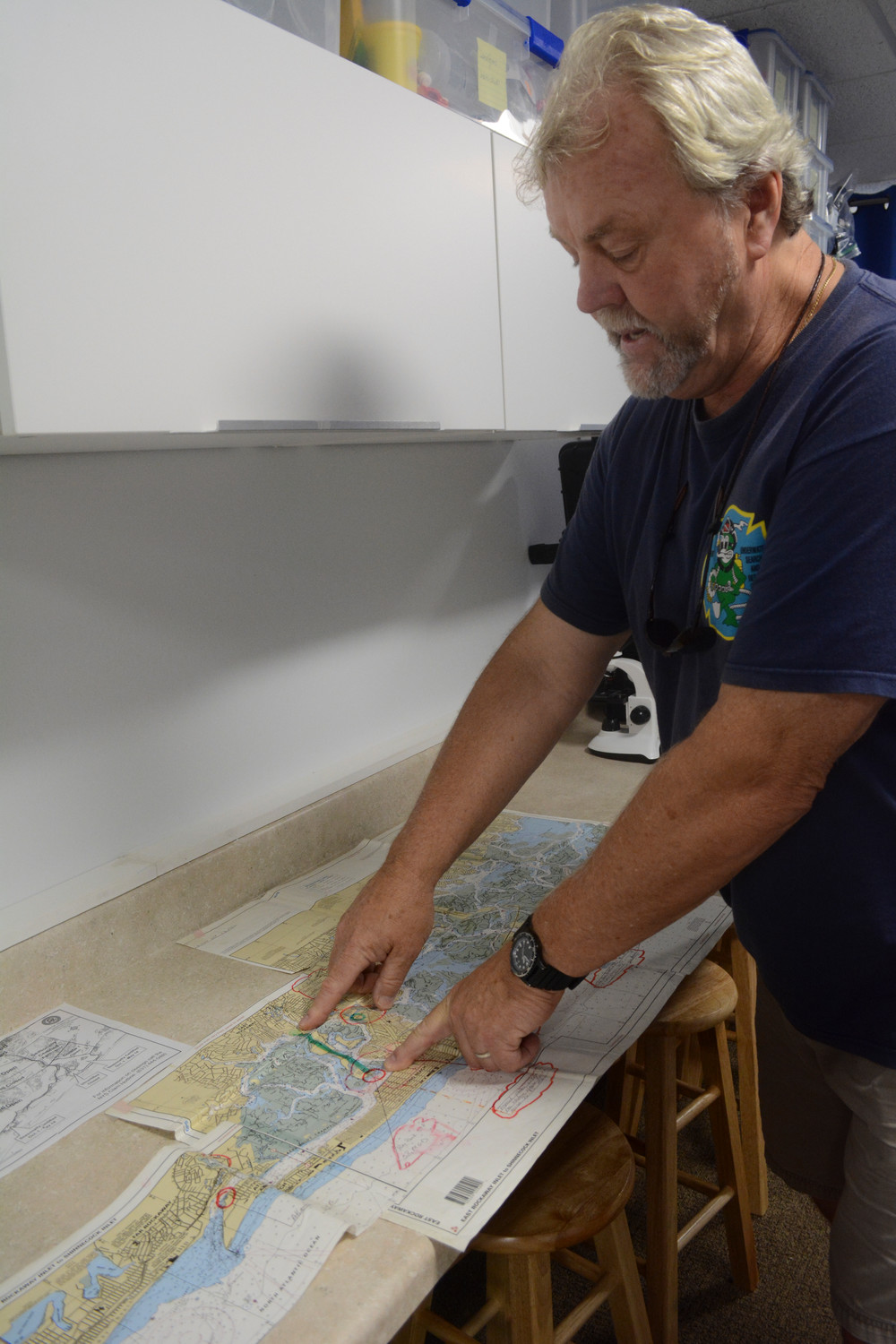 Rob Weltner, president of Operation SPLASH, showed on a map where the sewage would be rerouted to the ocean outfall pipe during a recent meeting with Baldwin civic associations.