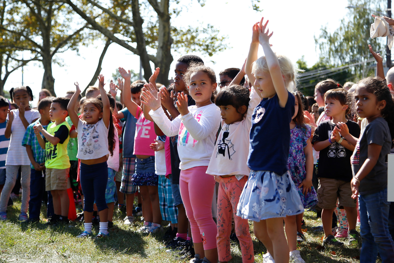 Kindergarteners celebrated International Peace Day with songs.