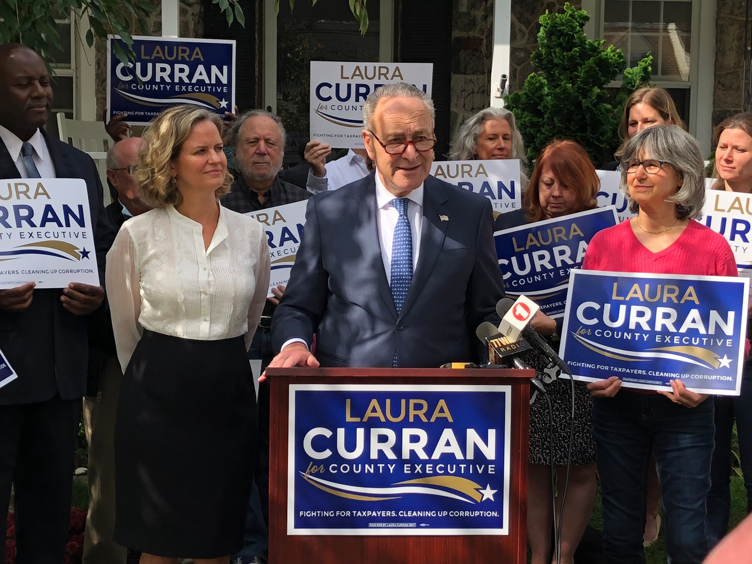 U.S. Sen. Chuck Schumer announced his support for Democrat Laura Curran's bid for county executive on Thursday.