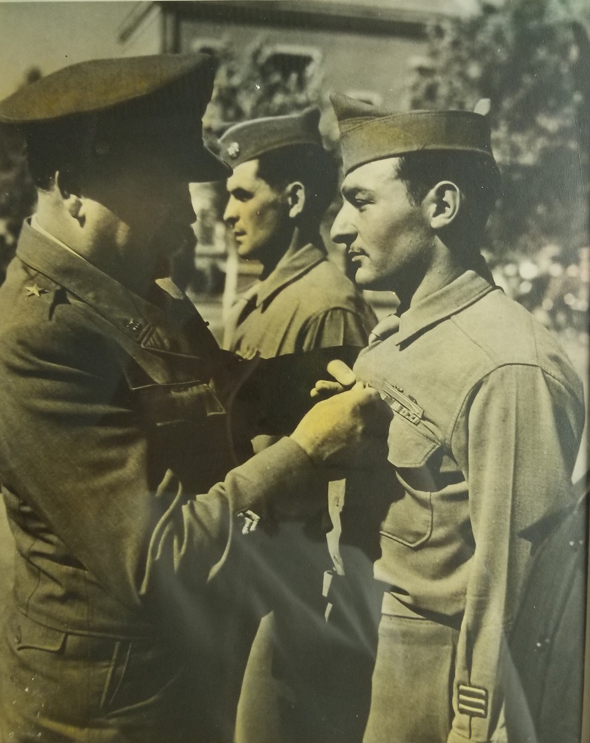 At 21, Caggiano received the Bronze Star after being on the front line as a machine gunner in Italy in 1946, his last year of service.
