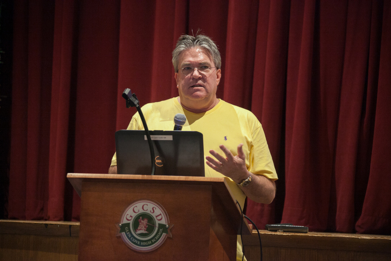 Dr. Stephen Dewey addressed community members on Oct. 24 on the dangers of substance abuse and its warning signs.