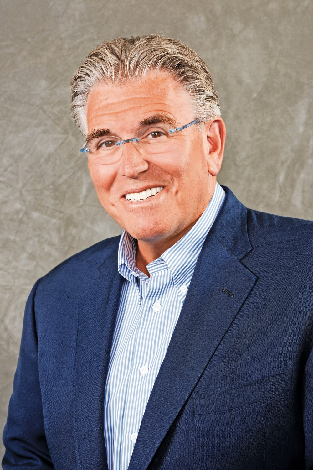Sports talk radio legend Mike Francesa grew up on Oswego Avenue in East Atlantic Beach and attended Long Beach Catholic Regional School, where he played CYO basketball.