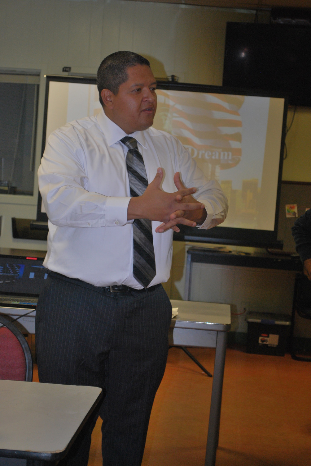 Oceanside business owner and resident Juan Vides announced his intention to seek public office at the Five Towns Hispanic Association meeting on Nov. 22.