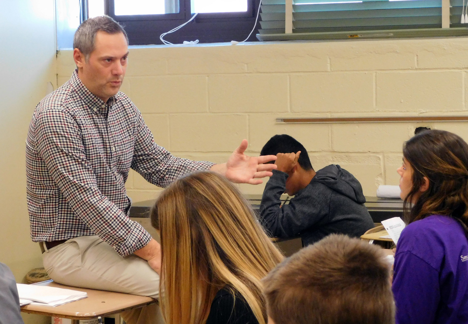 Rich Wojcieski, a Bellmore-Merrick health teacher, administered a test in his health class on Dec. 1 after speaking with the Herald about changes in the ways educators tackle human sexuality with the proliferation of social media.