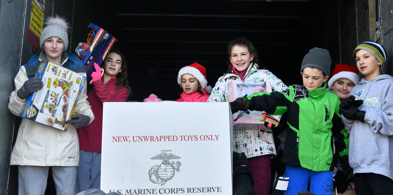Glen Cove Toy For Tots : Glen cove hosts toys for tots drive herald community