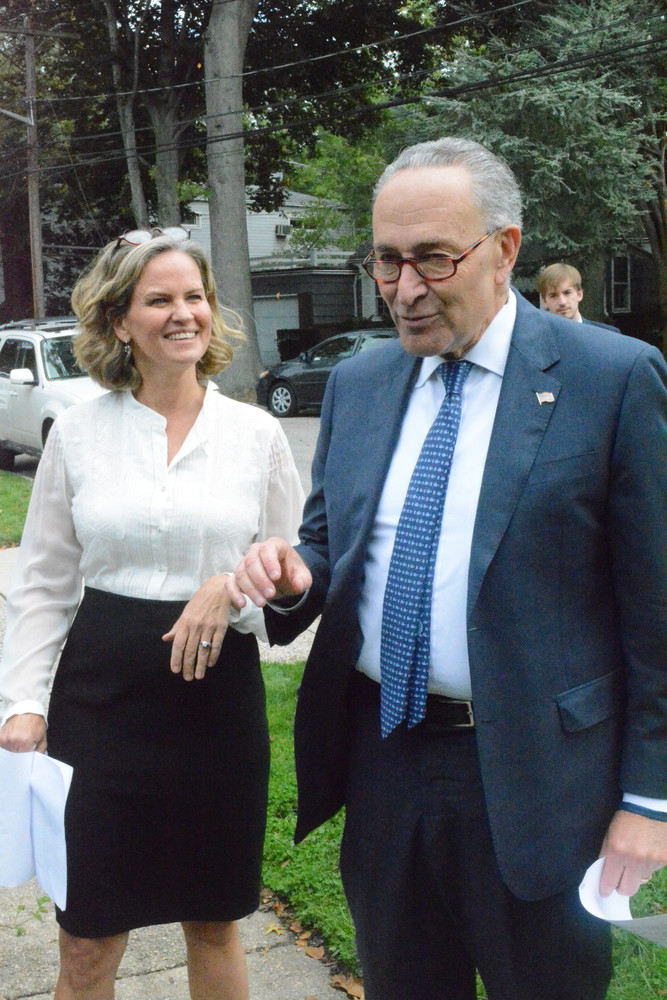 Curran with U.S. Sen. Chuck Schumer when he endorsed her for county executive.