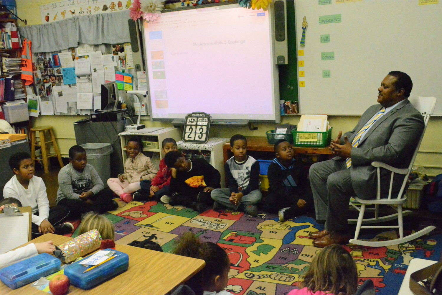 Harry Antoine retold stories of his former job as Dignitary Protection Unit of the NYPD, to a class of fourth grade Plaza Elementary students.