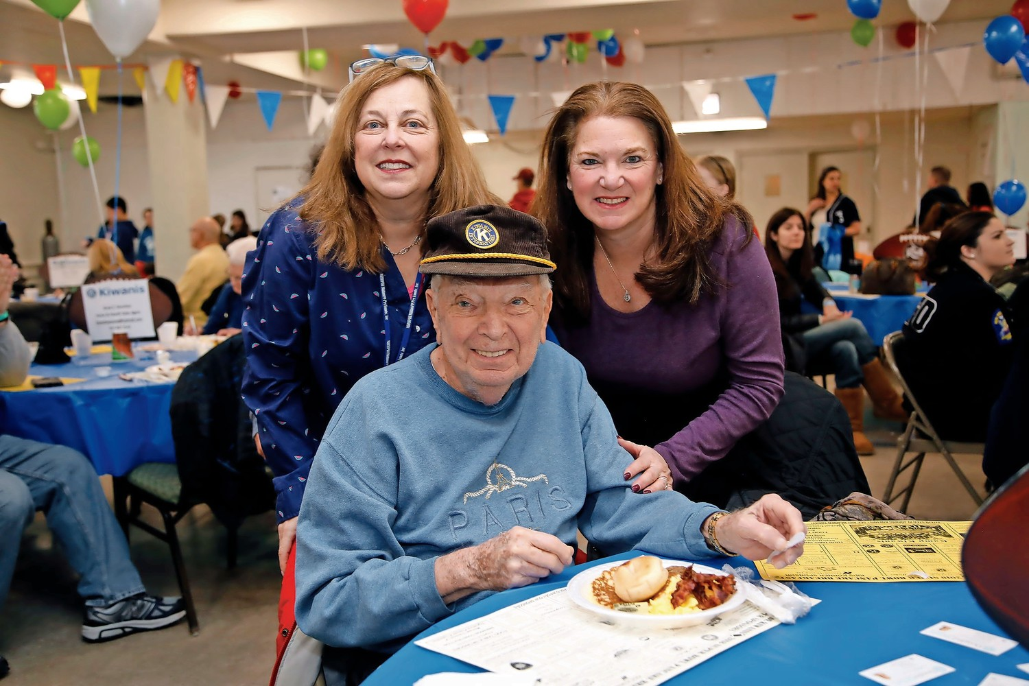 89-year old Kiwanian Dan Rosenberg with his daughters Penny Frondelli and Mindy Mirsky.