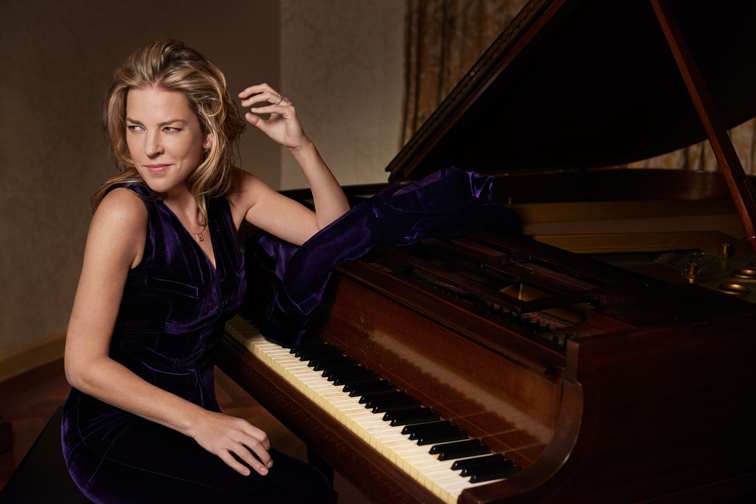 Diana Krall defines musical elegance with an appeal that is contemporary yet timeless.