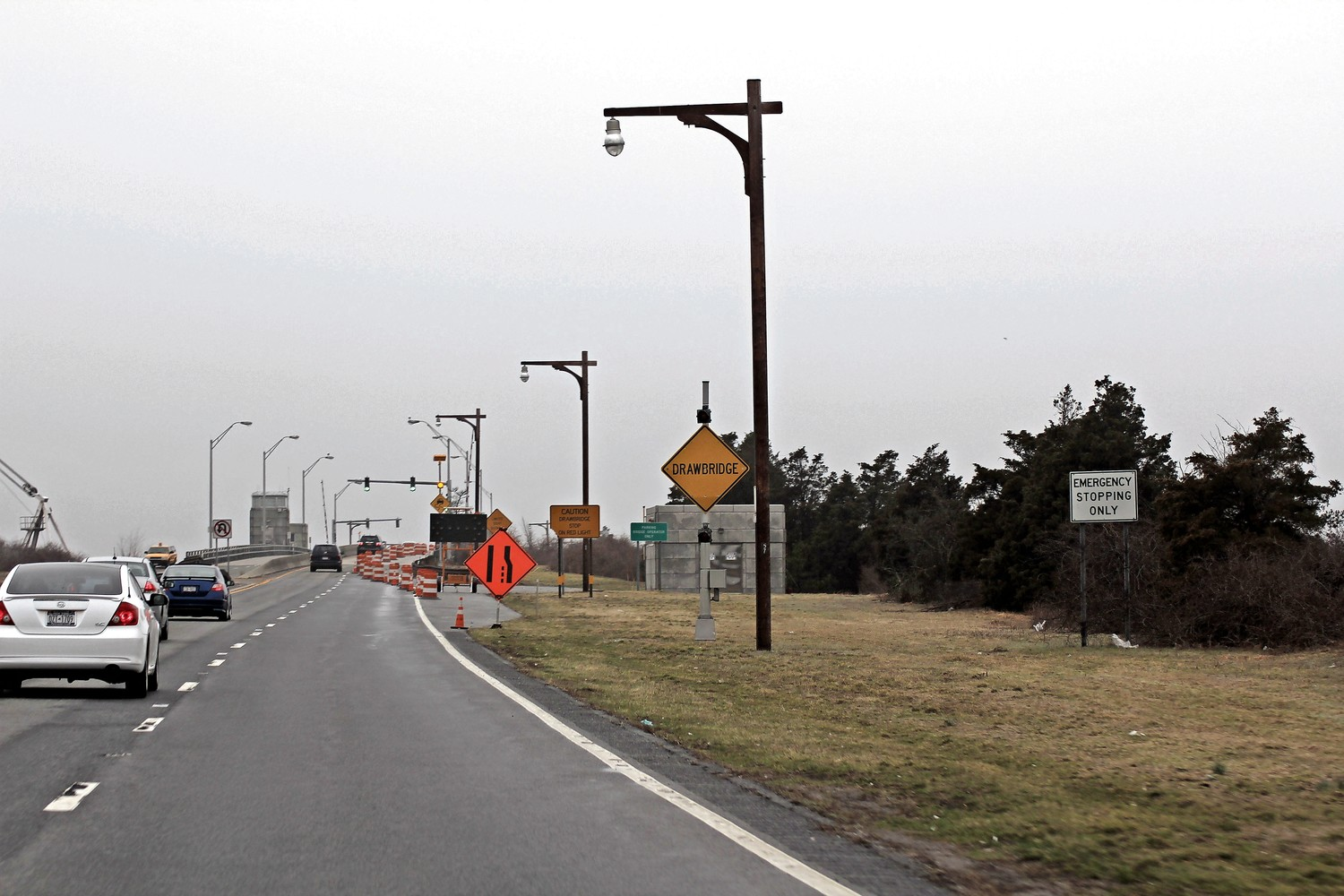 A portion of the Meadowbrook Parkway was set to close later this month as state highway workers repair the Loop Parkway and Meadowbrook Parkway bridges. The DOT said on Wednesday that the closure has been canceled.