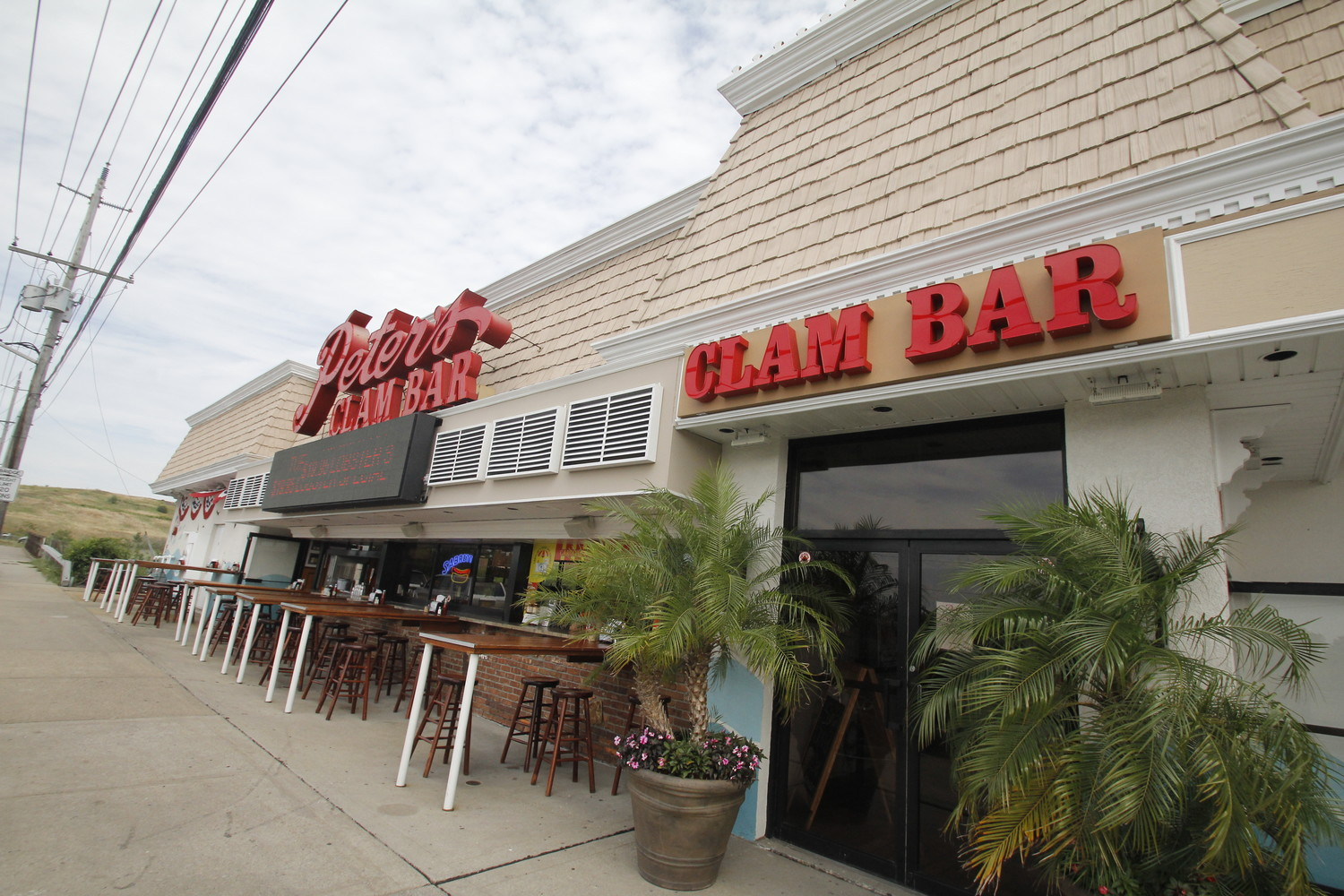 Peter's Clam Bar was ranked number one in the News 12 Long Island 2018 Food Fight contest.