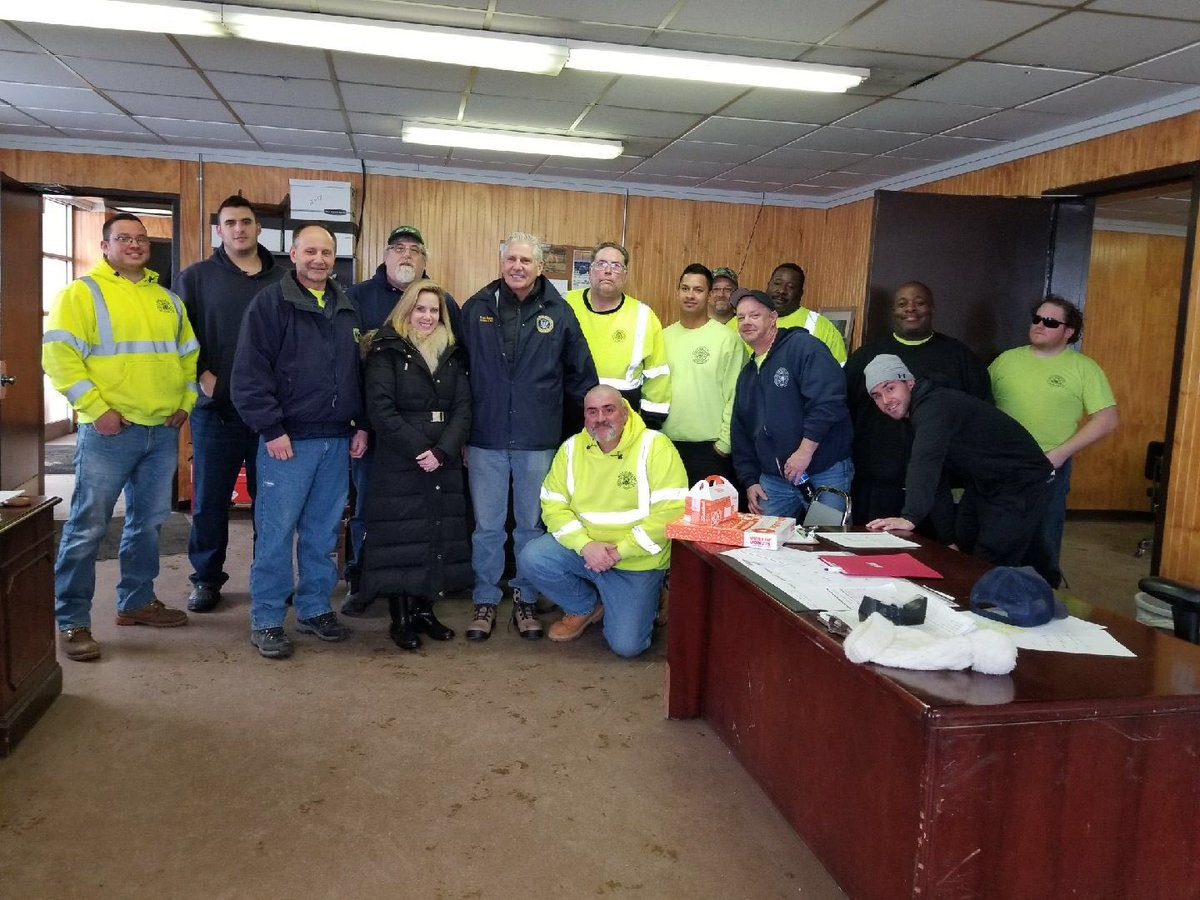 Town of Hempstead Supervisor Laura Gillen and Councilman Bruce Blakeman checked in with town employees in Inwood on March 21.
