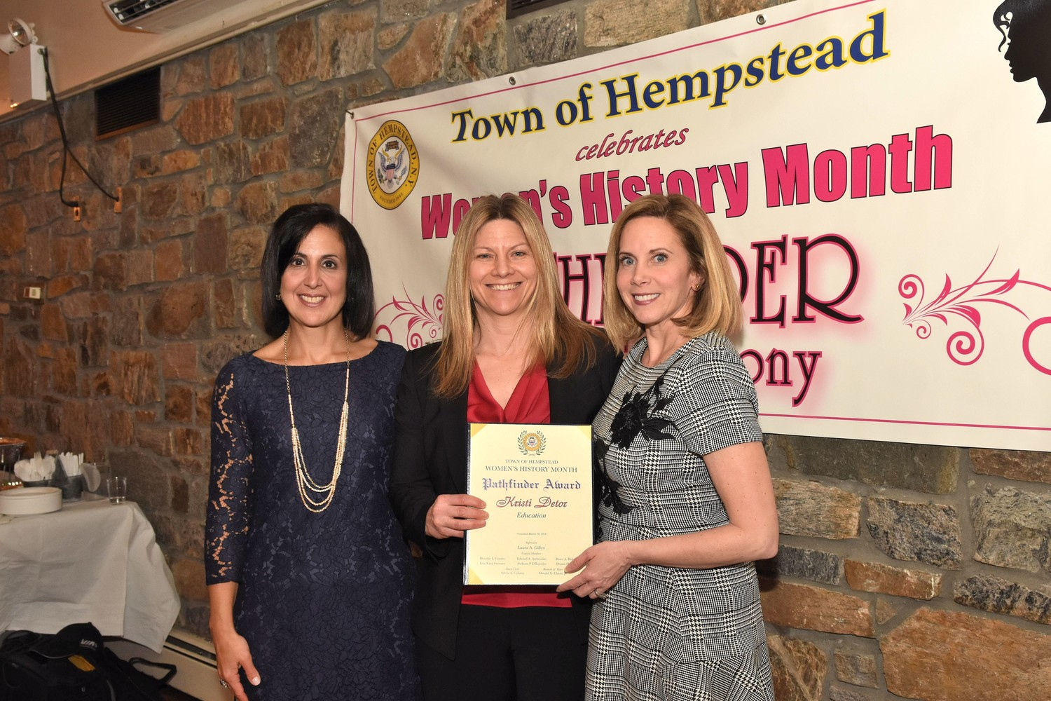 Town of Hempstead Supervisor Laura Gillen and Clerk Sylvia Cabana presented the 2018 Pathfinder Awards on March 29.
