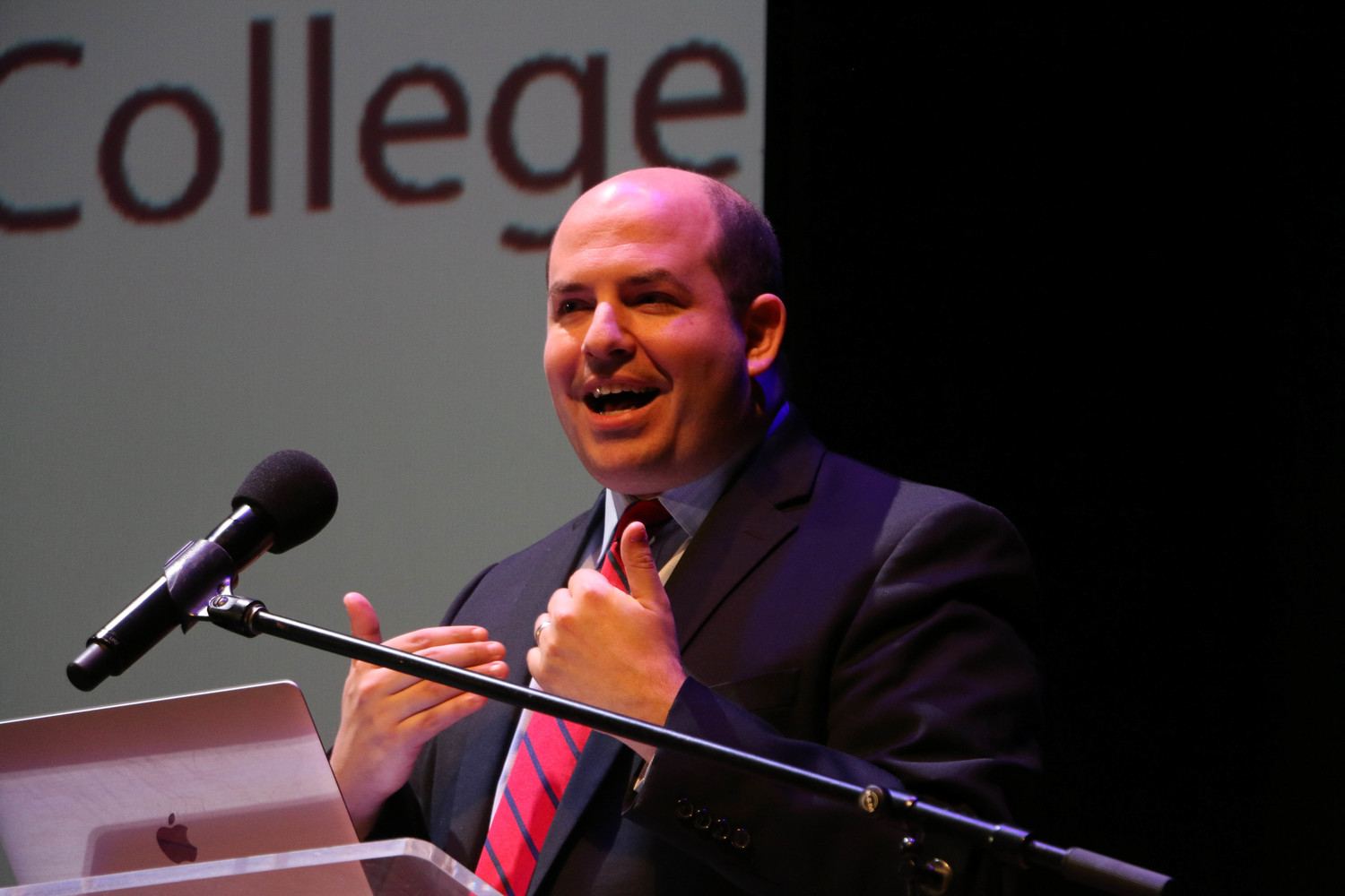 Brian Stelter was the keynote speaker at the 14th Joe and Peggy Maher Leadership Forum at Molloy College on April 5.